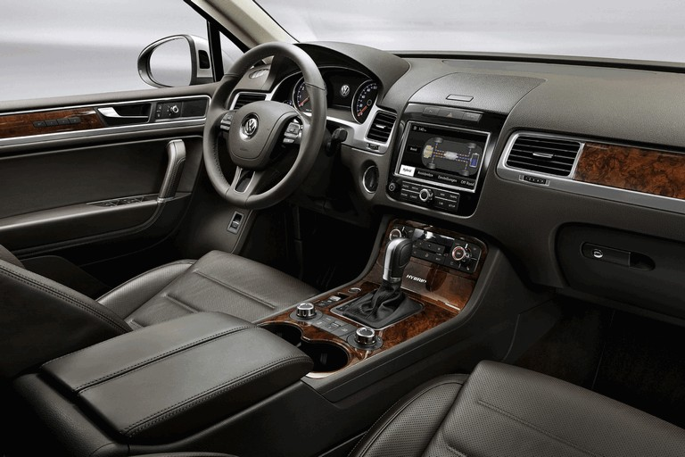 2010 Volkswagen Touareg 275087