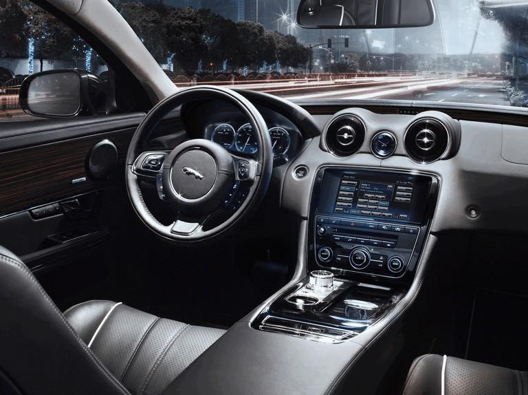 2010 Jaguar XJ 275290