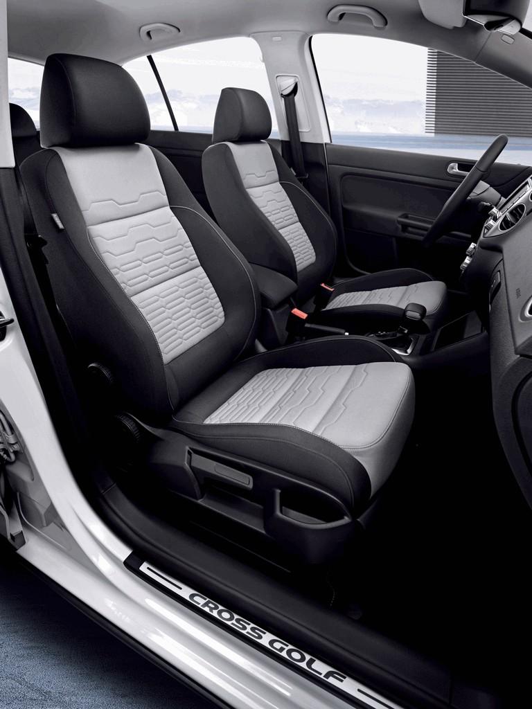 2010 Volkswagen Cross Golf 275865
