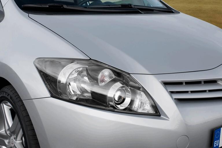 2010 Toyota Auris 276244