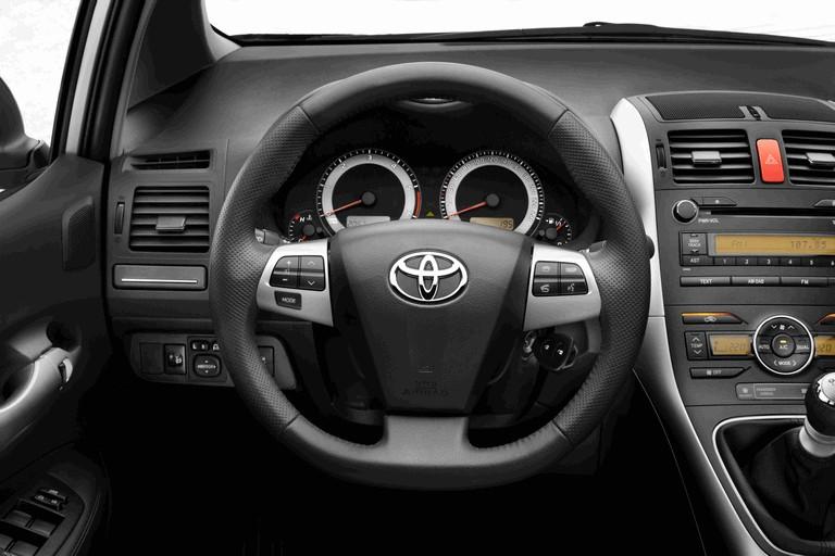2010 Toyota Auris 276253