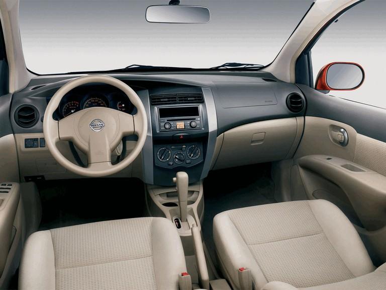 2006 Nissan Livina 278035