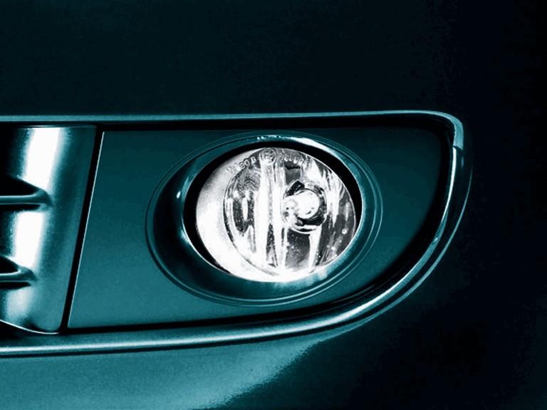 2004 Nissan Bluebird Sylphy 18Vi-G japanese version 203078