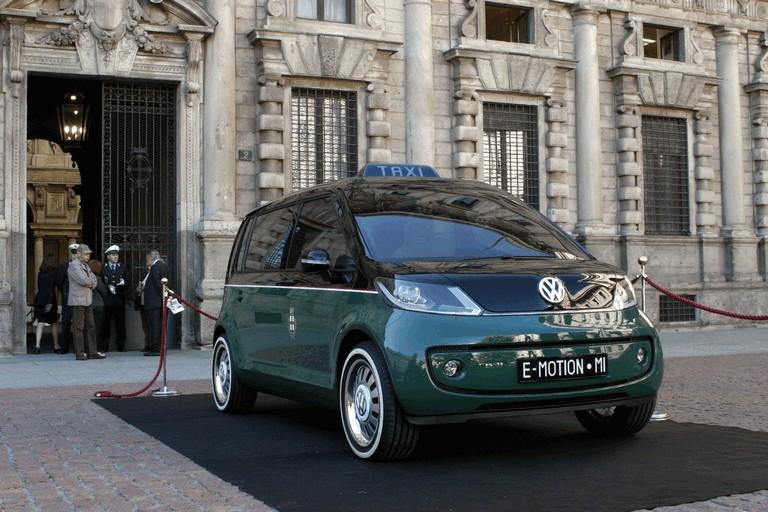 2010 Volkswagen Milano Taxi concept 280115