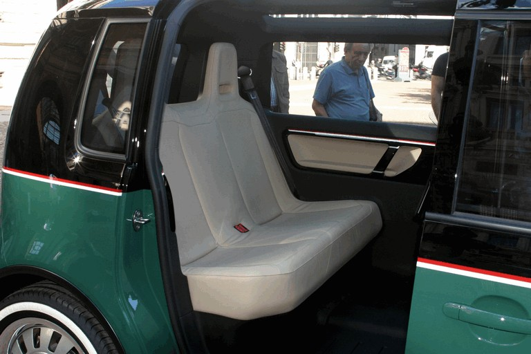 2010 Volkswagen Milano Taxi concept 280130