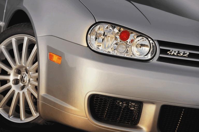 2004 Volkswagen Golf R32 203614