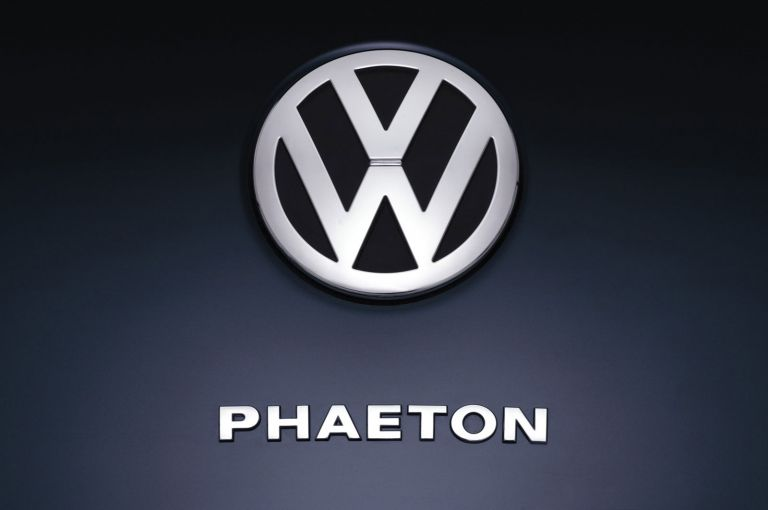 2004 Volkswagen Phaeton 528220