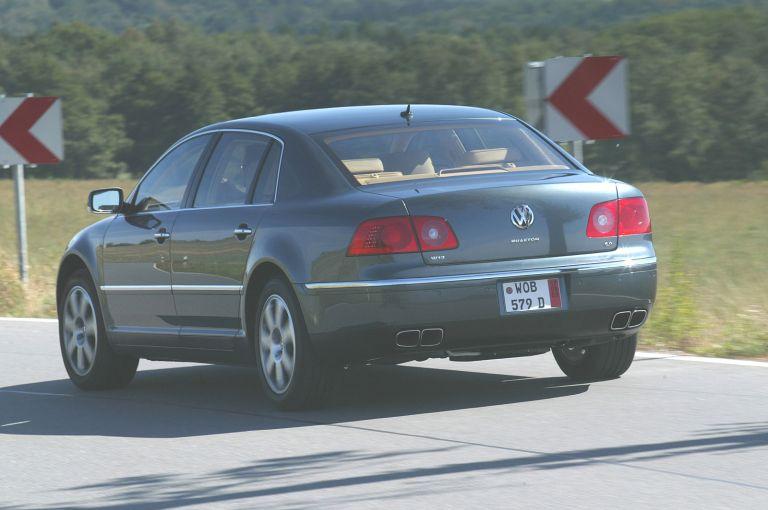 2004 Volkswagen Phaeton 528225