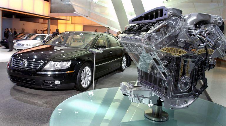 2004 Volkswagen Phaeton 528252