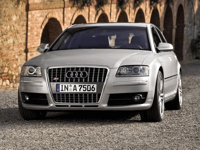2005 Audi S8 204083