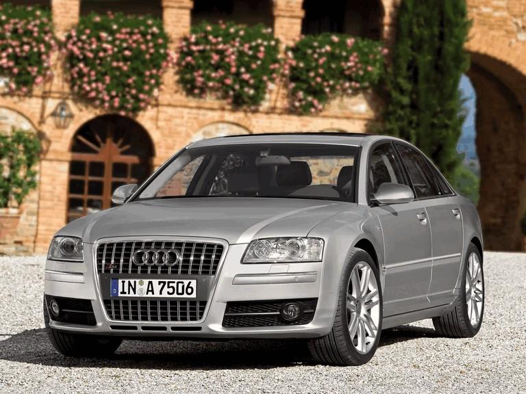 2005 Audi S8 204084