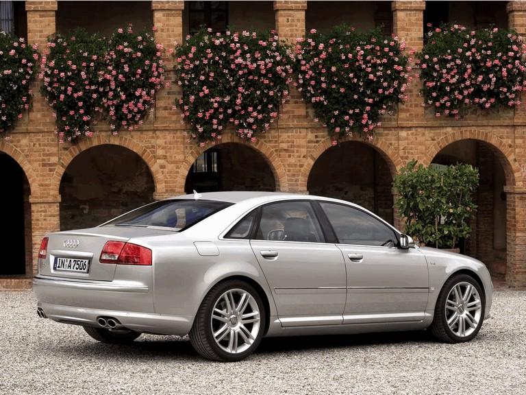 2005 Audi S8 204087