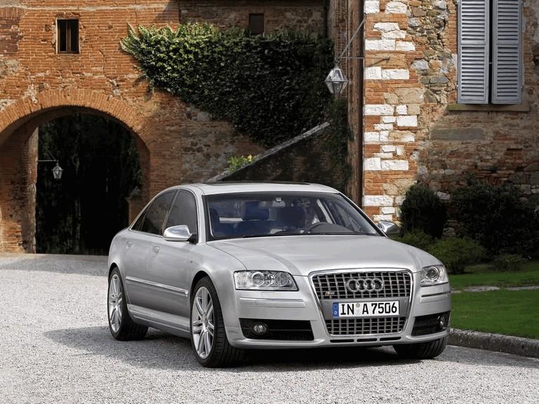 2005 Audi S8 204091