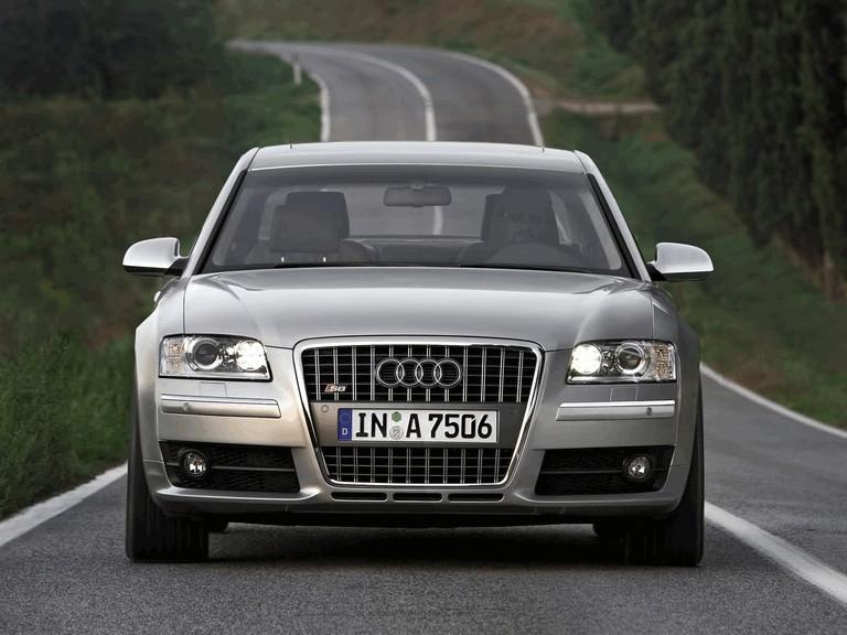 2005 Audi S8 204096
