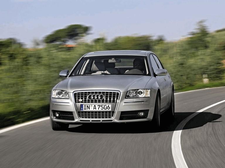 2005 Audi S8 204102