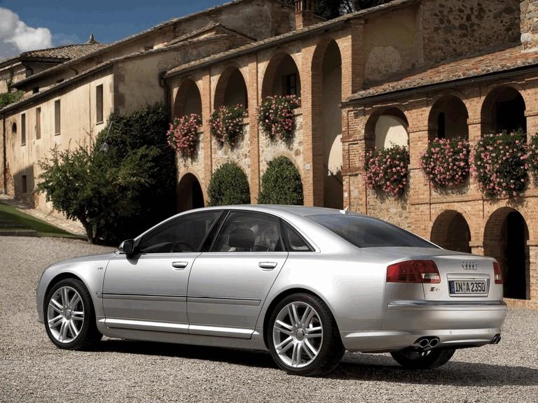 2005 Audi S8 204107
