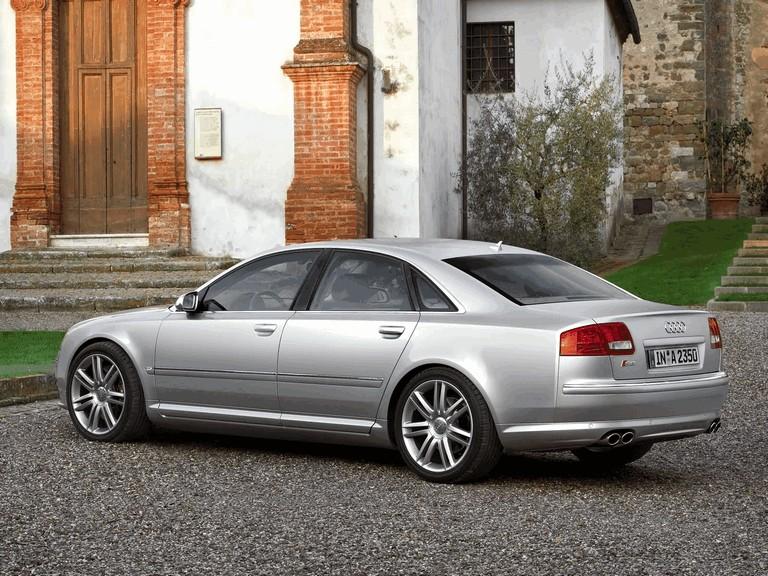 2005 Audi S8 204108