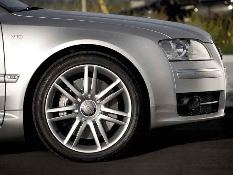 2005 Audi S8 204110