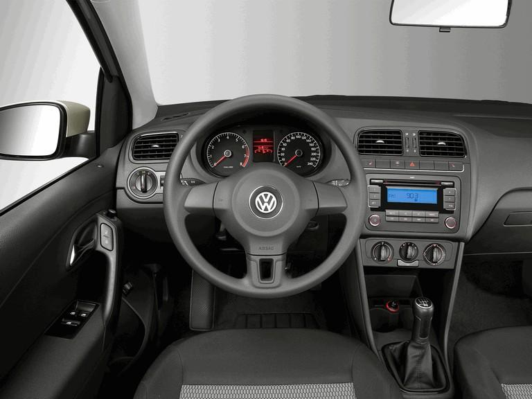 2010 Volkswagen Polo Sedan 284575