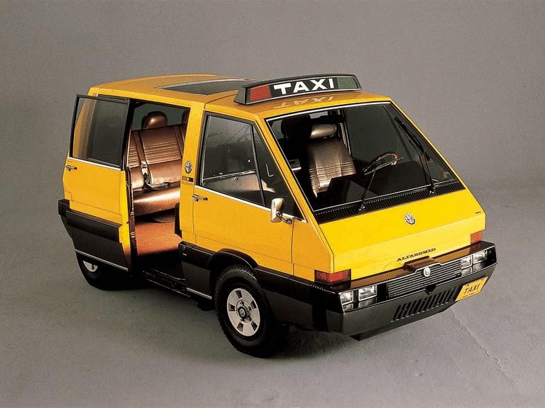 1976 Alfa Romeo New York Taxi concept by ItalDesign 284911