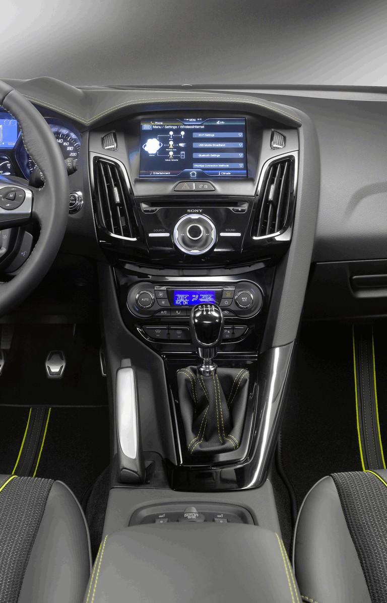 2010 Ford Focus hatchback 508329