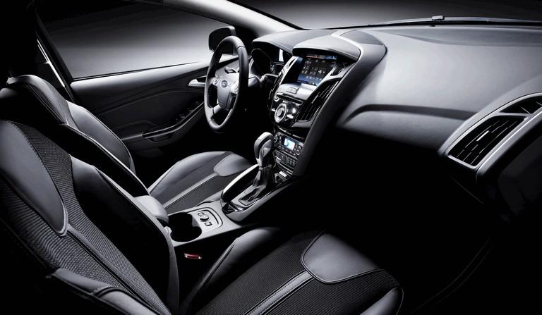 2010 Ford Focus hatchback 508330