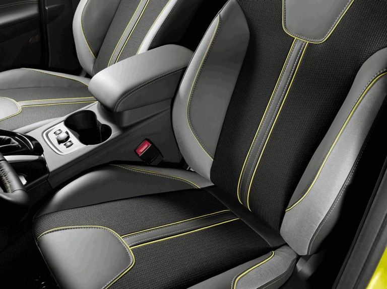 2010 Ford Focus hatchback 508334