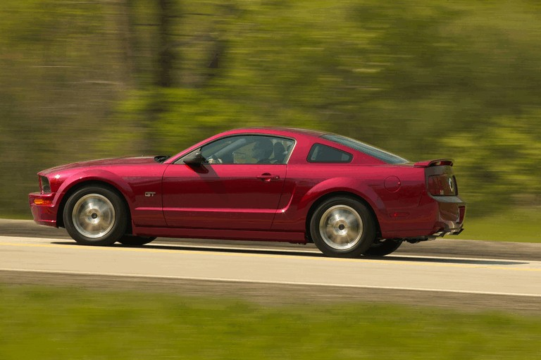 2005 Ford Mustang GT 486970
