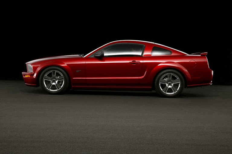 2005 Ford Mustang GT 486984