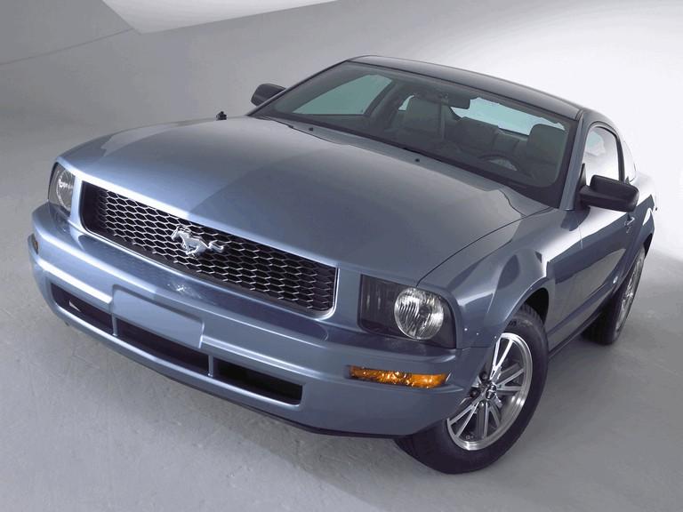 2005 Ford Mustang V6 487016