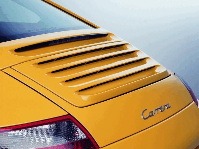 2005 Porsche 911 Carrera 206055