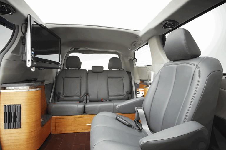 2010 Toyota Sienna Swagger Wagon Supreme ( SEMA ) 292058