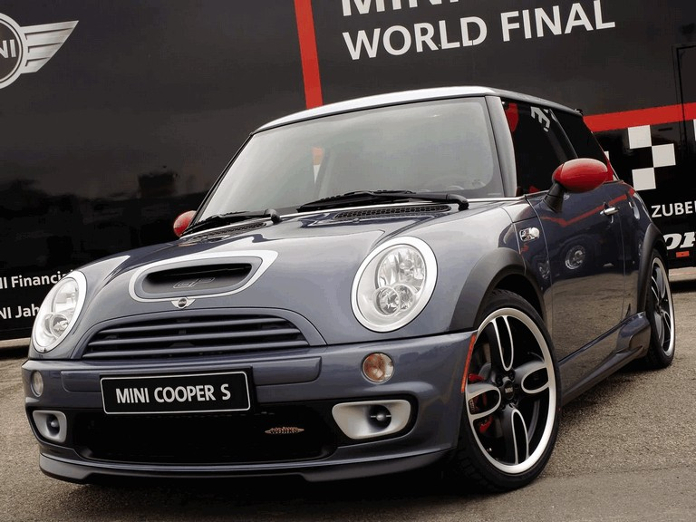 2005 Mini Cooper S with John Cooper Works GP Tuning Kit 207108