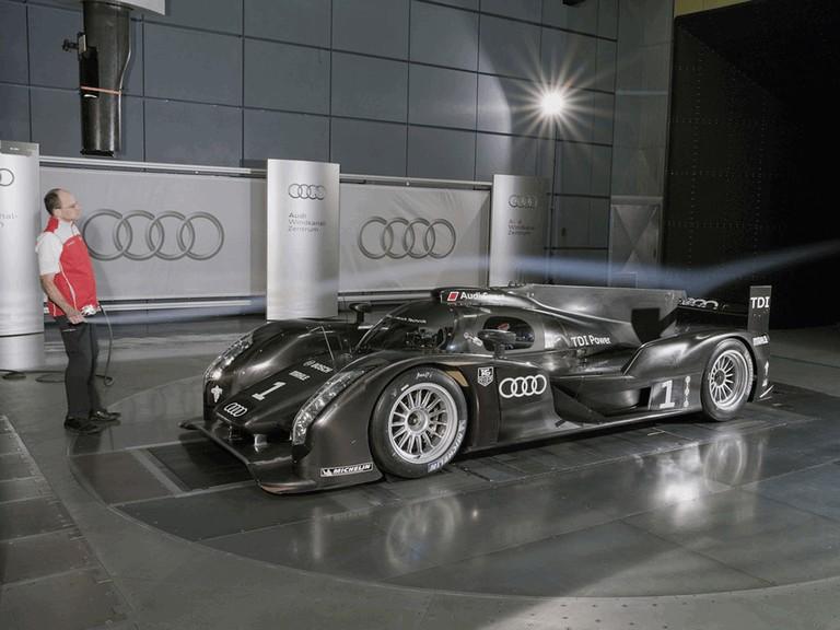 2011 Audi R18 300195