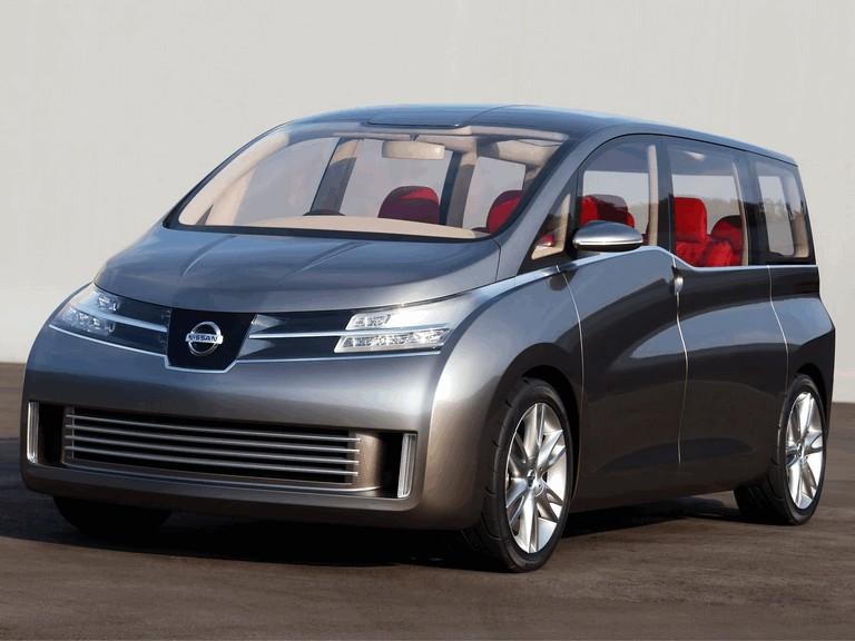 2005 Nissan Amenio 207894