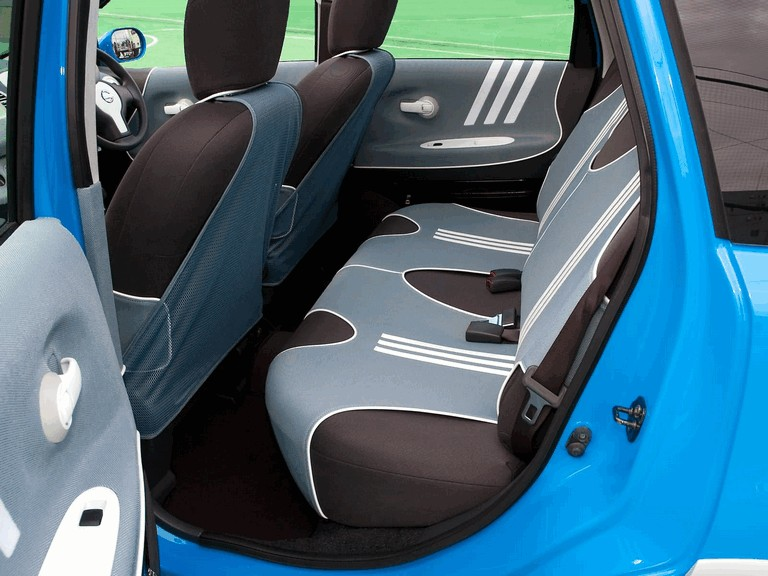 2005 Nissan Note inspired by Adidas 207972