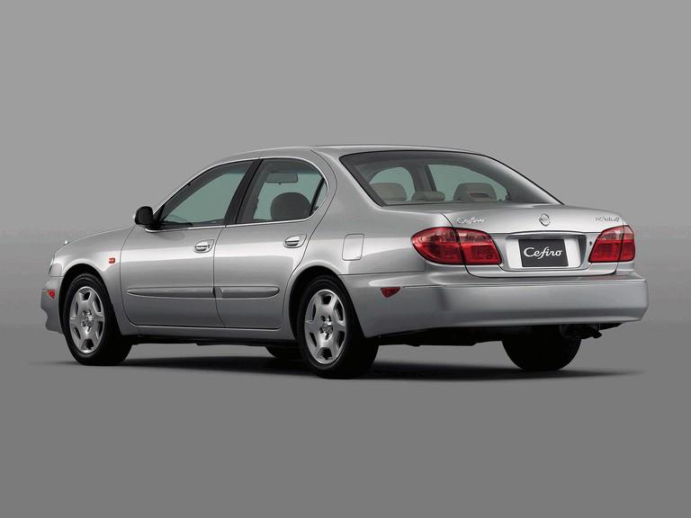 1998 Nissan Cefiro ( A33 ) 303594