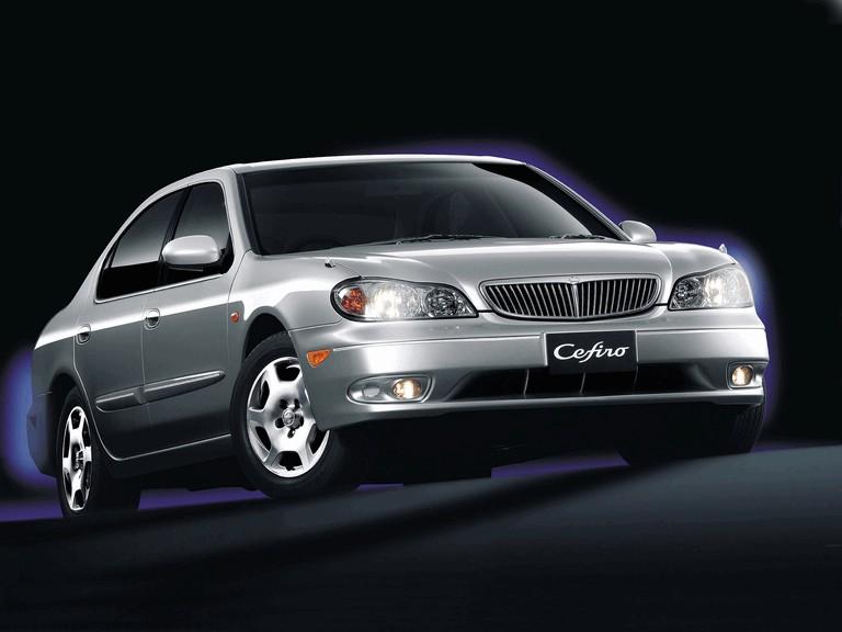 1998 Nissan Cefiro ( A33 ) 303595