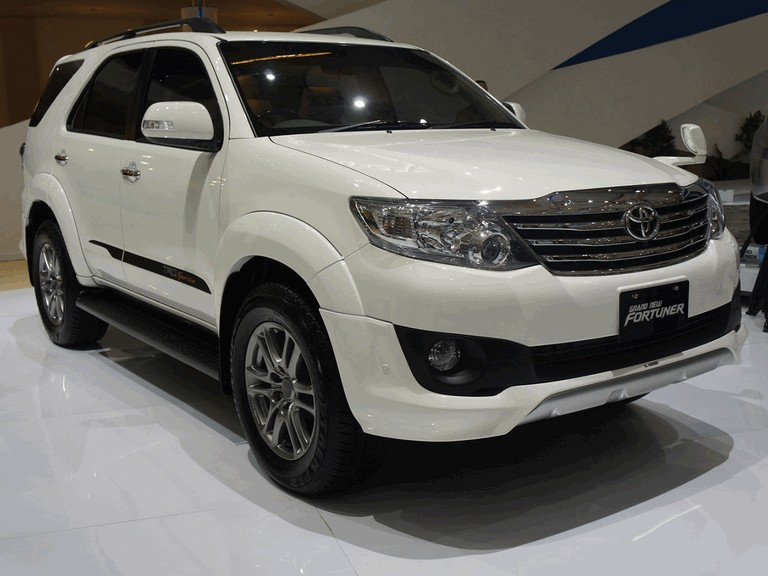 2011 Toyota Fortuner Sportivo by TRD 309328
