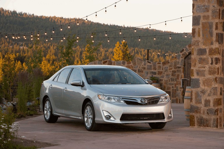 2012 Toyota Camry XLE 311220