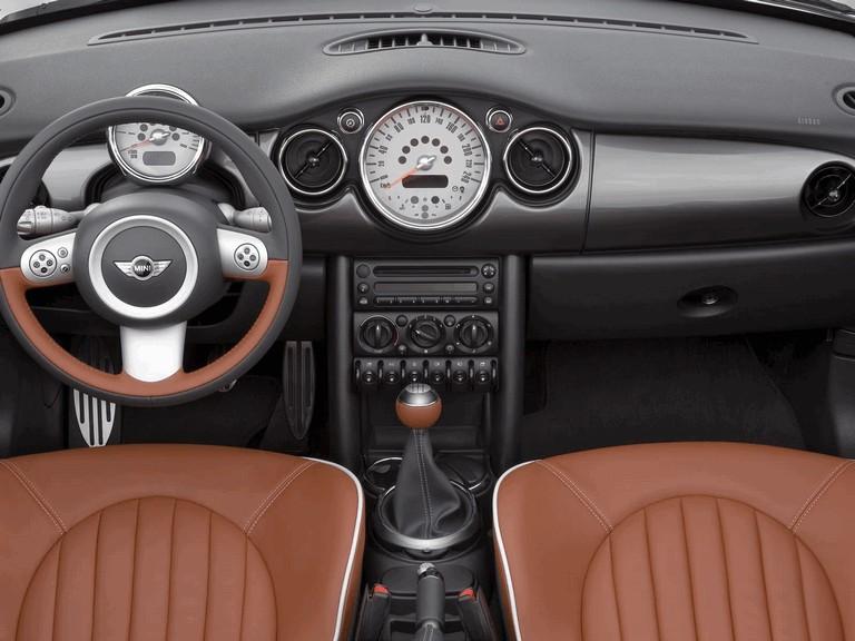 2006 Mini Cooper S convertible sidewalk 209729