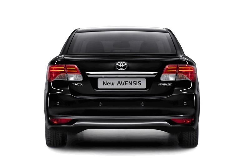 2011 Toyota Avensis 324757