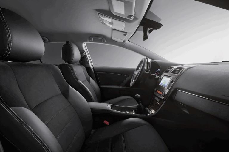 2011 Toyota Avensis 324769