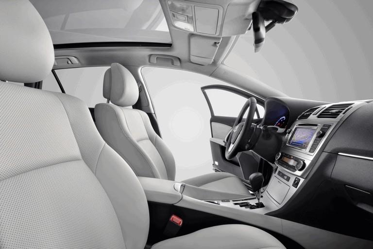 2011 Toyota Avensis 324772