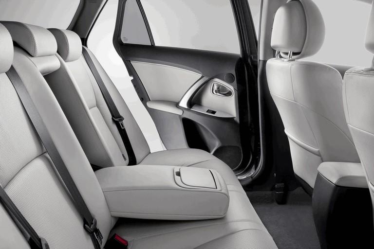 2011 Toyota Avensis 324776