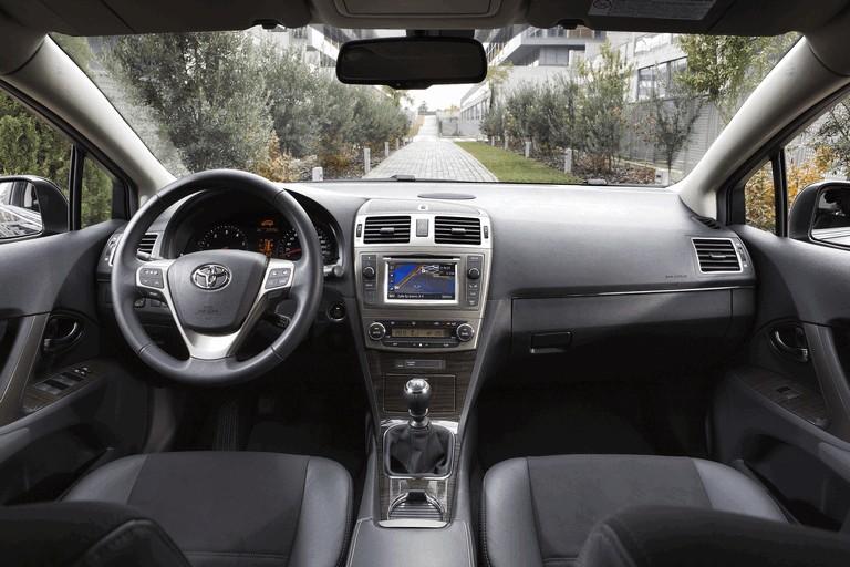 2011 Toyota Avensis 324781