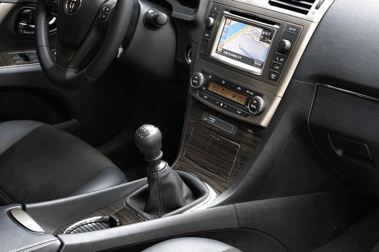 2011 Toyota Avensis 324783