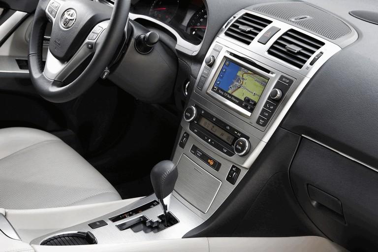 2011 Toyota Avensis 324785