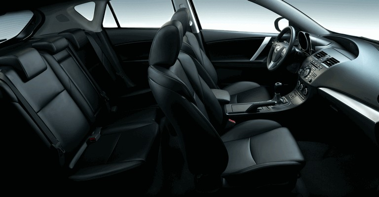 2011 Mazda 3 hatchback 319288