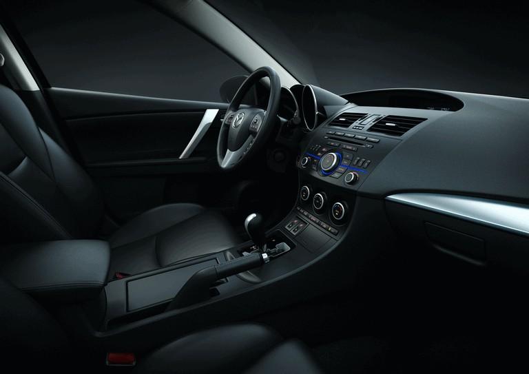 2011 Mazda 3 hatchback 319289